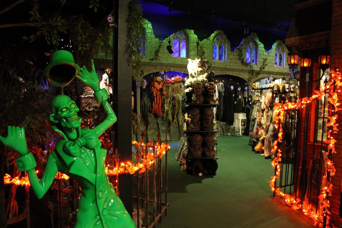 Halloweentown Store